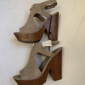 NWOT G By Guess Suede Heels
